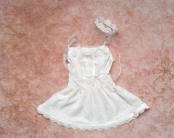 White dress with lace trim and newborn mini crown set, Vintage lace dress photo prop for baby girls, Photography props for babies
