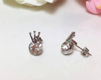 Crown Earrings, Little Stud Earrings, Diamond Tiara Earrings , Gift for her, Tiny Stud Earring ,Everyday Jewelry, Minimalist Earrings