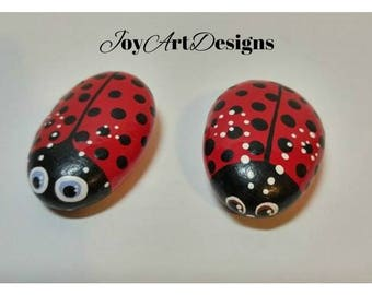 Ladybug Stone Hand Painted Rocks Planter Ornaments Gift for Gardener Waterproof Pair Of Ladybirds Outdoor Art Red Black Pet Rocks Home Decor