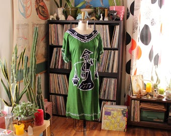 vintage green batik caftan with Chinese fisherman and bird . sack dress shift, 90s festival fashion