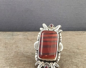 Australian print stone ring - garnet - elaborate ring - size 9.5 ring - unique ring - feather ring - leaf ring - l