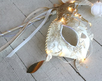 CLEARANCE - 40% OFF!  Galadriel - Light Up Lord of the Rings Inspired Masquerade Mask in Ivory and Gold