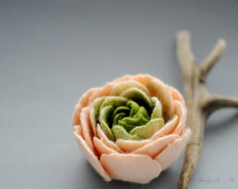 Felt Ranunculus Flower Brooch, Sweet Apricot Cream Apple Green Ranunculus Felt Flower Brooch, Floral jewelry, Natural jewelry, Textile art