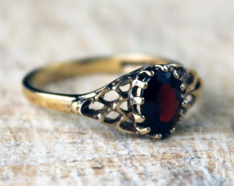 Vintage Silver Gilt Ring Garnet Solitaire Ring Sterling Silver Mesh Hallmarked Ladies FREE SHIPPING Size N.5 / 7
