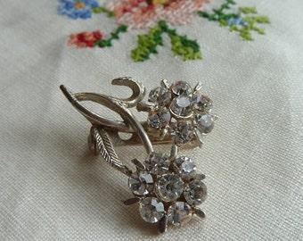 Lovely Vintage Diamante Floral Silvertone Brooch VGC