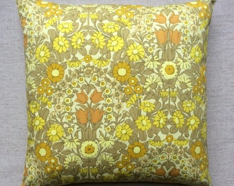 "Vintage Pat Albeck ""Daisy Chain"" For Jonelle Fabric Cushion With Interior 40cm x 40cm"