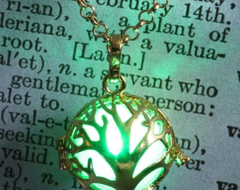 Glowing tree of life pendant glowing tree necklace glowing tree jewelry - Golden locket with glowing Orb - Valentine Gift for her - Green