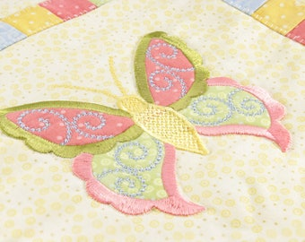 SALE - Butterfly applique blanket. Baby girl quilt. Baby quilt.
