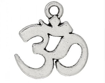 Charms - Om Charm - Om Symbol Charm - 20 Silver Charms - Popular Om Charms For Jewelry - Ohm Charms for Bracelets, Key Chain Charm - CH-S024