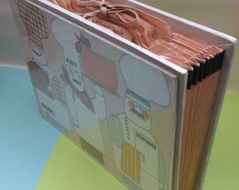 Vintage Saks Fifth Avenue Concertina Recipe Organiser - Chef Design - Wipe-Clean Cover