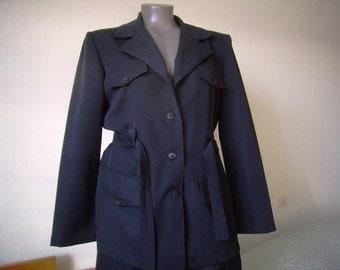 2 piece black woman, pants and jacket, suit, size 40 M, vintage French costume