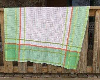 Vintage Plaid Tablecloth - Nice Texture and Weight - Green White Salmon