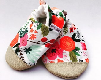 Floral Baby Shoes, Baby Girl Shoes, Baby Slippers, Soft Sole Baby Shoes, Baby Booties,Baby Moccasins, Crib Shoes, Toddler Slippers, Moccs