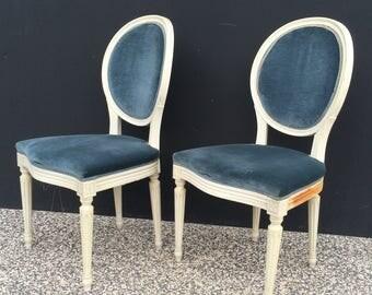 Pair of louis XVI medallion chair