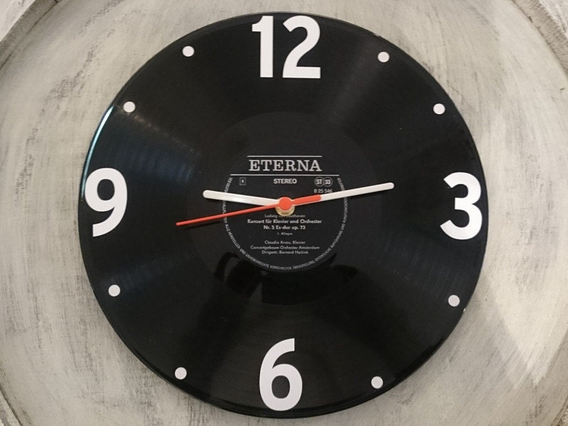 uhr aus schallplatte eterna schwarz lp vinyl deko wall clock. Black Bedroom Furniture Sets. Home Design Ideas