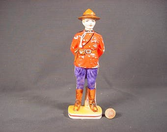 Vintage Old Collectible * Canadian Mountie Ceramic Statue Figurine * Canada Police