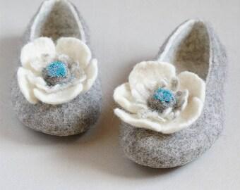 Gray Wool Slippers with Flowers Handmade by Indre Naujokiene