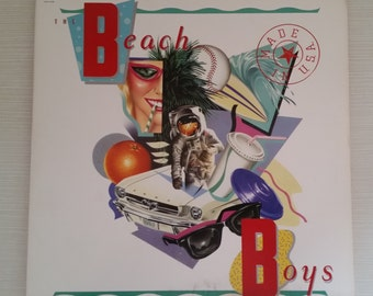 Beach Boys Made In U.S.A. 2-LP Vinyl Record  Near Mint Condition