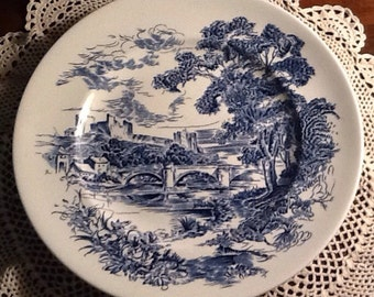 "Vintage Wedgewood Countryside 10"" Dinner Plate, England, blue transferware, castle, bridge, country scene"