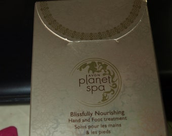 Avon Planet Spa  Blissfully Nourishing Hand and Foot Treatment