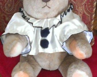 Vintage Gund bear