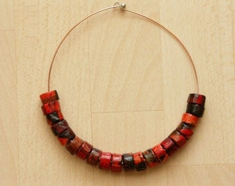 Choker with small paper beads - no postage is charged