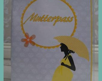 Nut case cover three-part design