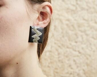 SALE! 80s Bold Black Enamel and Glitter Zig Zag Earrings • M