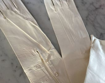 1920s vintage white kid leather long gloves with pearl buttons - nos