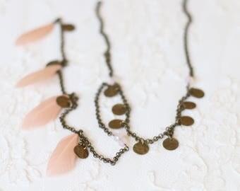 Jewel - collection Bobo Indie - Tribal Modeleplume headband pink / nude / black