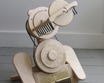 Hopper SpinOlution Spinning Wheel - Travel Spinning Wheel