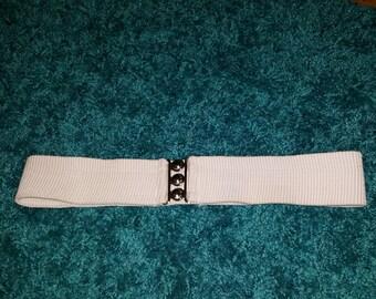 White stretch belt