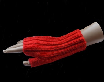 arm warmers , knitted , orange