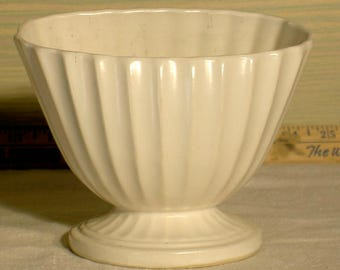 Hull china company planter, vase with cream glaze.
