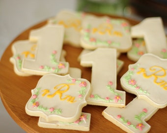 Monogrammed Sugar Cookie, baby cookies, first birthday cookies