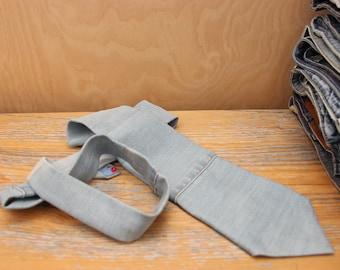 Denim necktie , denim men's tie , light denim necktie , necktie for men , upcycled denim tie , recycled denim necktie , blue jeans necktie