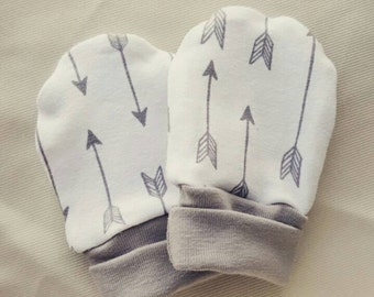 New born baby scratch mittens Arrows and Mauvey-Grey New Born Baby Accessory scratch mits
