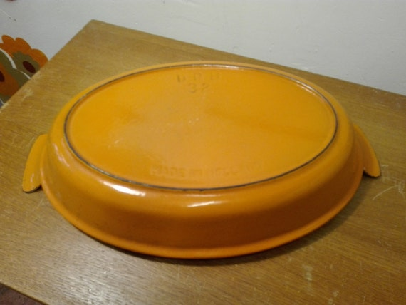 DRU cast Iron dish  - orange