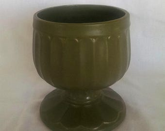 Floraline Pottery USA by McCoy Vase #429 in Olive Green