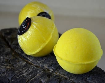Lemon Flower Bath Bomb