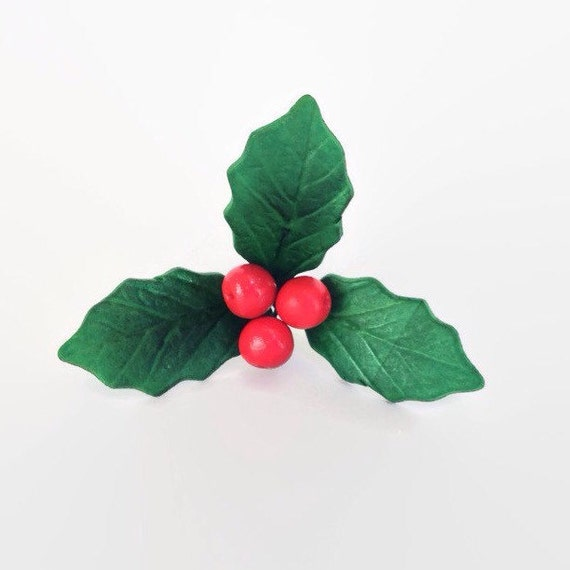 Gumpaste Holly leaves and berries for sugar flowers decorations, wedding cake topper, winter weddings, christmas, yule logs, cake decoration
