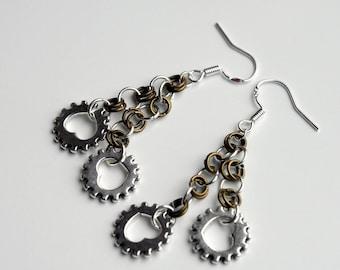 Silver heart Cog Earrings, Steampunk Gift, gear Cog jewellery, Silver cog and chain Earrings, Silver and bronze chain dangle earrings,