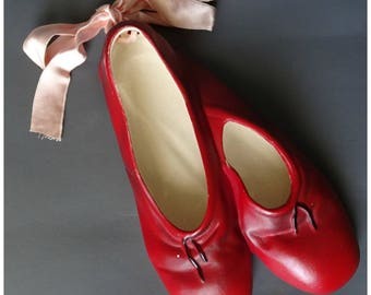 Vintage 1950s/50s Brentleigh Ware WALL POCKET Red Ballet Shoes