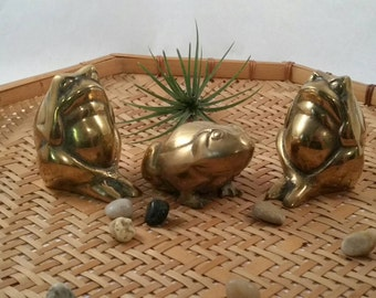 Brass Frog Trio, Vintage Brass, Frogs, Jungalow decor, Frog gift, Frog collector, Cute Frogs.