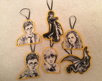 Harry Potter Ornaments-Set of 6-Harry, Hermione and Ron!! Yellow background!