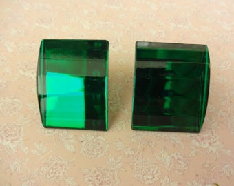 Vintage Perspex Clip on Earrings, Green Lucite Earrings, Green Acrylic Earrings, Green Faceted Earrings
