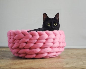 SUPER LUSH pet bed. Cozy basket for dog or cat. Many sizes and colors. 23 microns merino wool. 100% handmade.