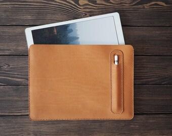 couverture en cuir iPad Pro 12,9 pouces. porte-Pro et un stylo Apple iPad. étui en cuir iPad.