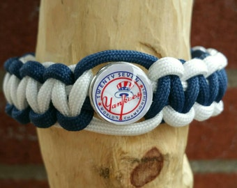 New York Yankees Paracord bracelet (You'r choice of image )