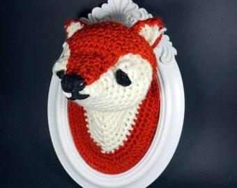 Peter-vegan-crochet amigurumi frame taxidermy Fox